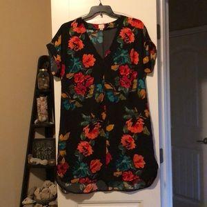 Beautiful short sleeved floral dress - size XXL